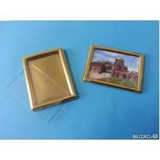 Золотая рамка на магните 86 х 65 мм